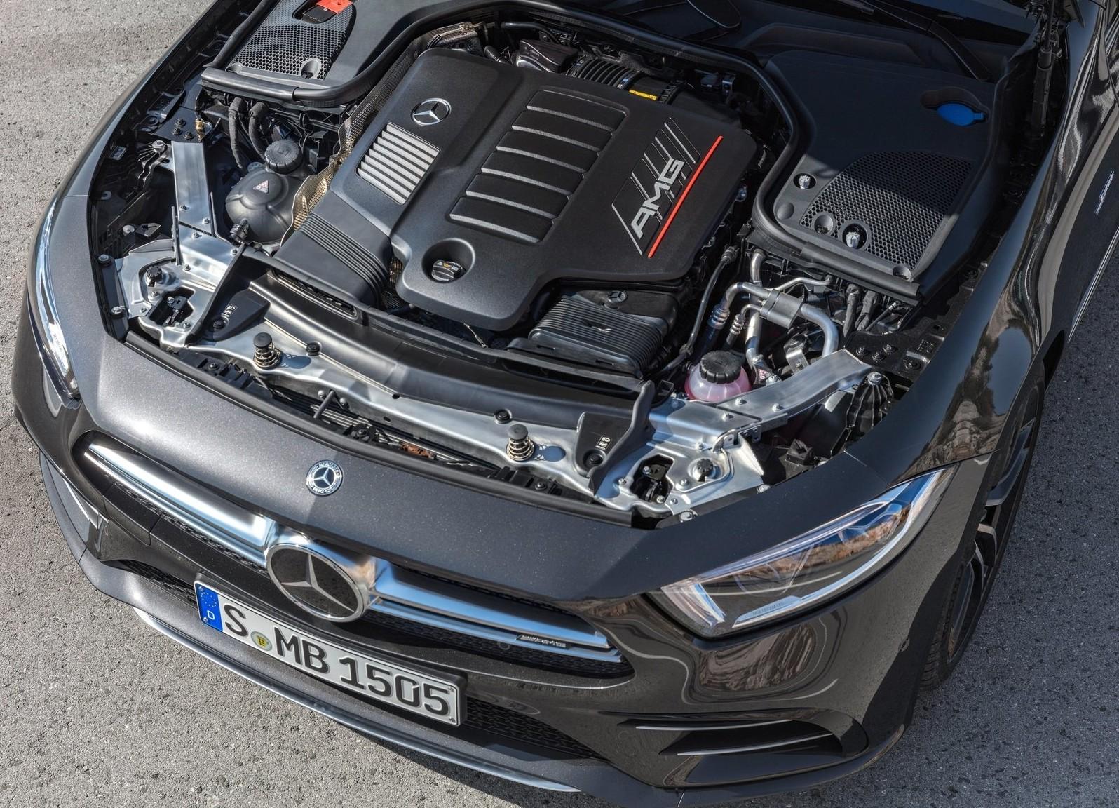 На фото: двигатель Mercedes-AMG серии M256. Этот же мотор может