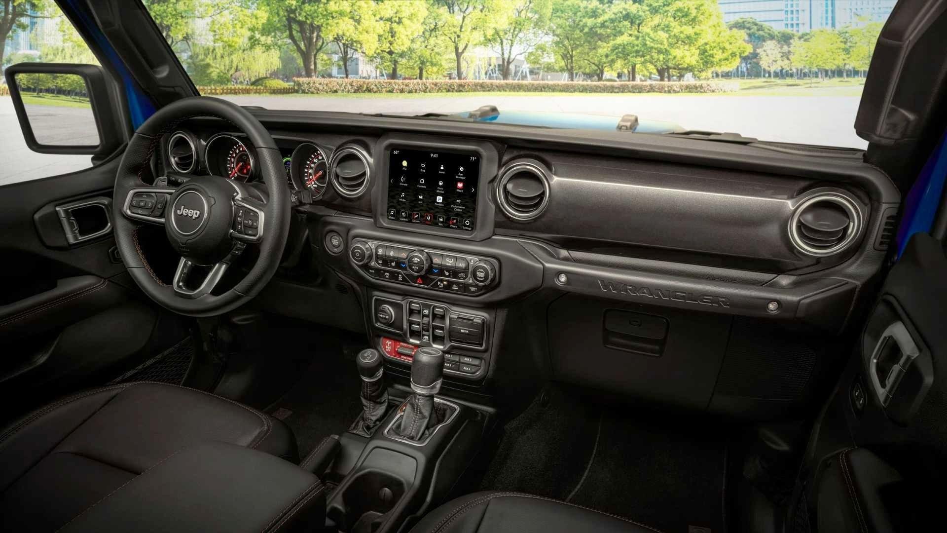 Серийный Jeep Wrangler Rubicon 392: олдскул с атмосферным V8 и усиленным «железом»
