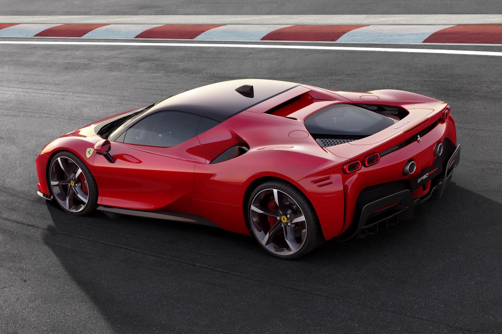 Ferrari_SF90_Stradale_3