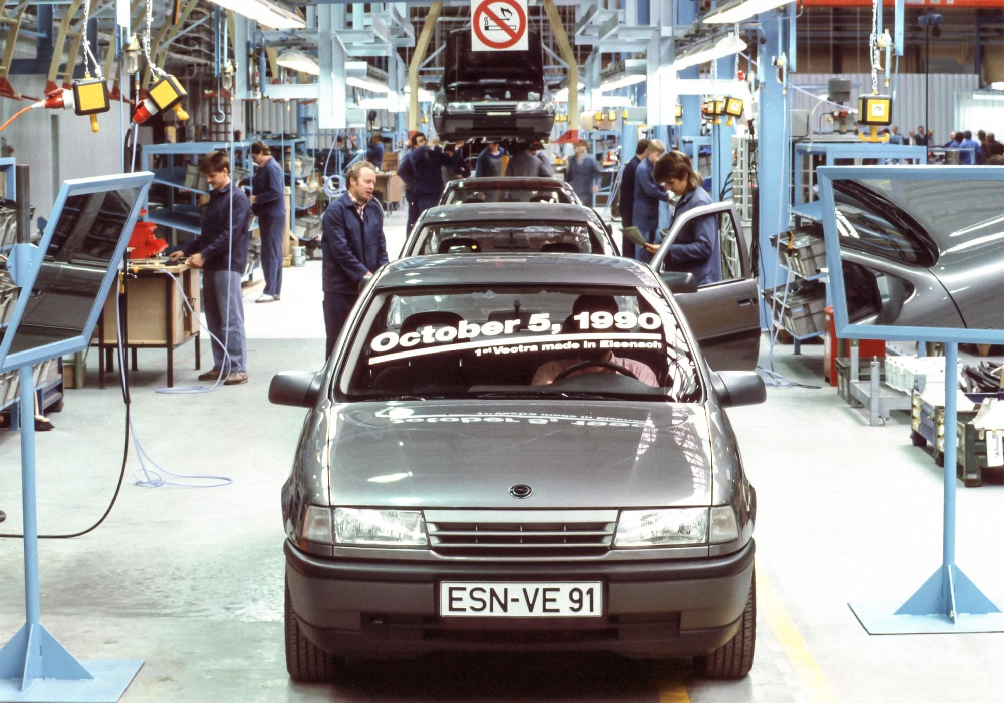 Рекордный простой из-за дефицита микрочипов: завод Opel в Айзенахе закрыт до 2022 года