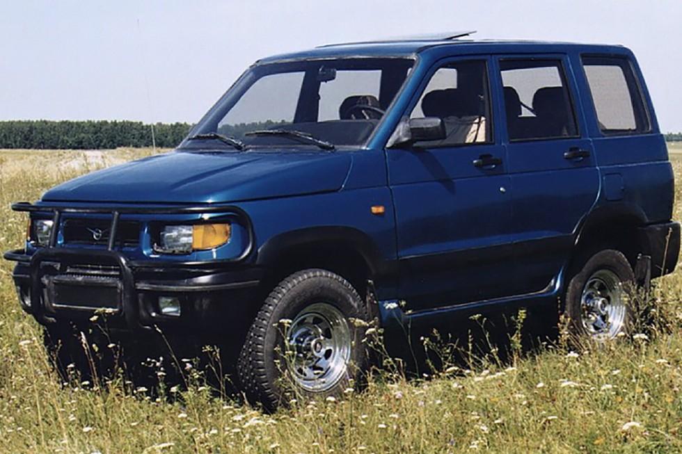 УАЗ 3160 синий в поле