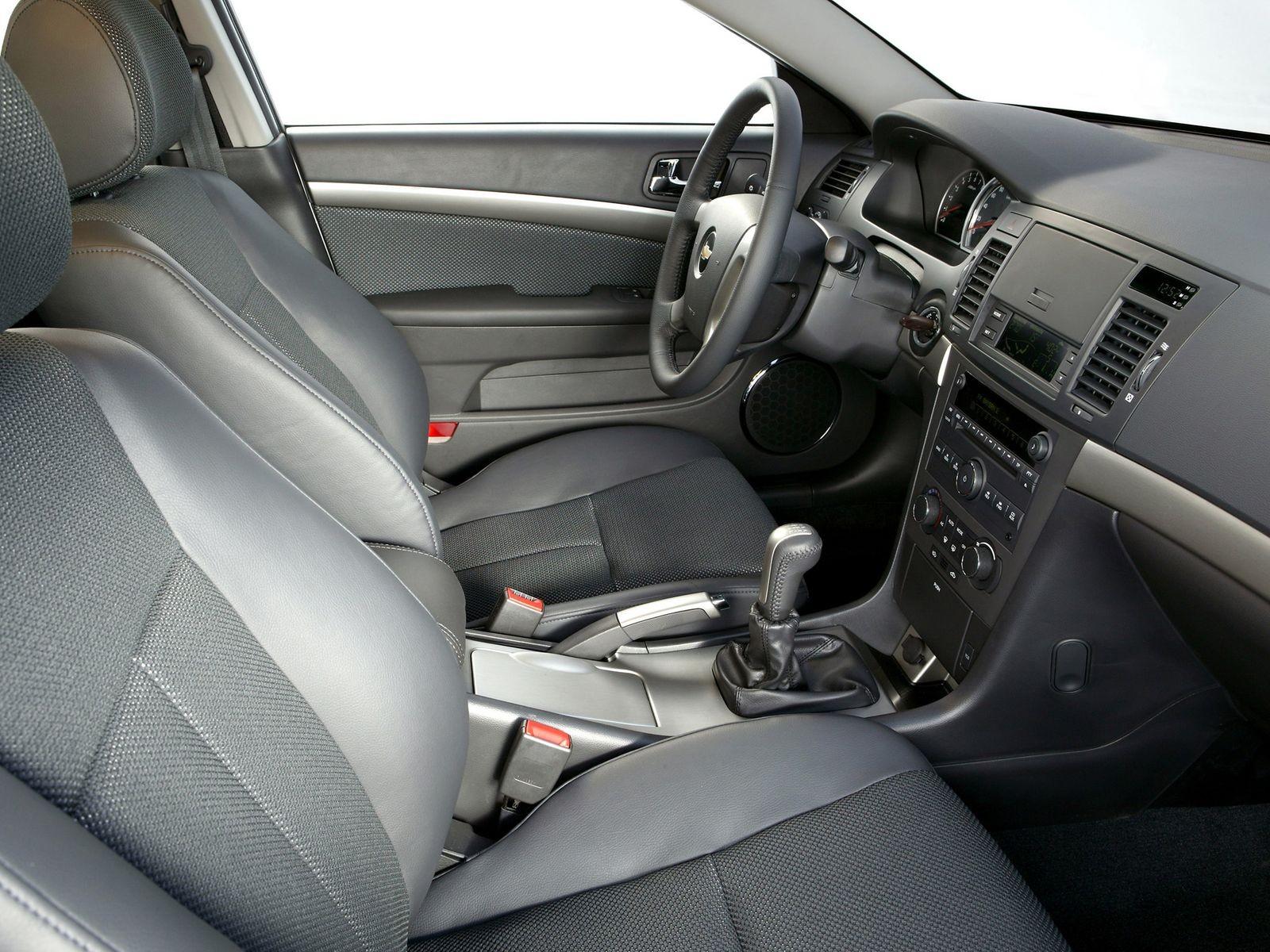 Много Daewoo, немного Chevrolet и нотка BMW: стоит ли покупать Chevrolet Epica за 500 тысяч