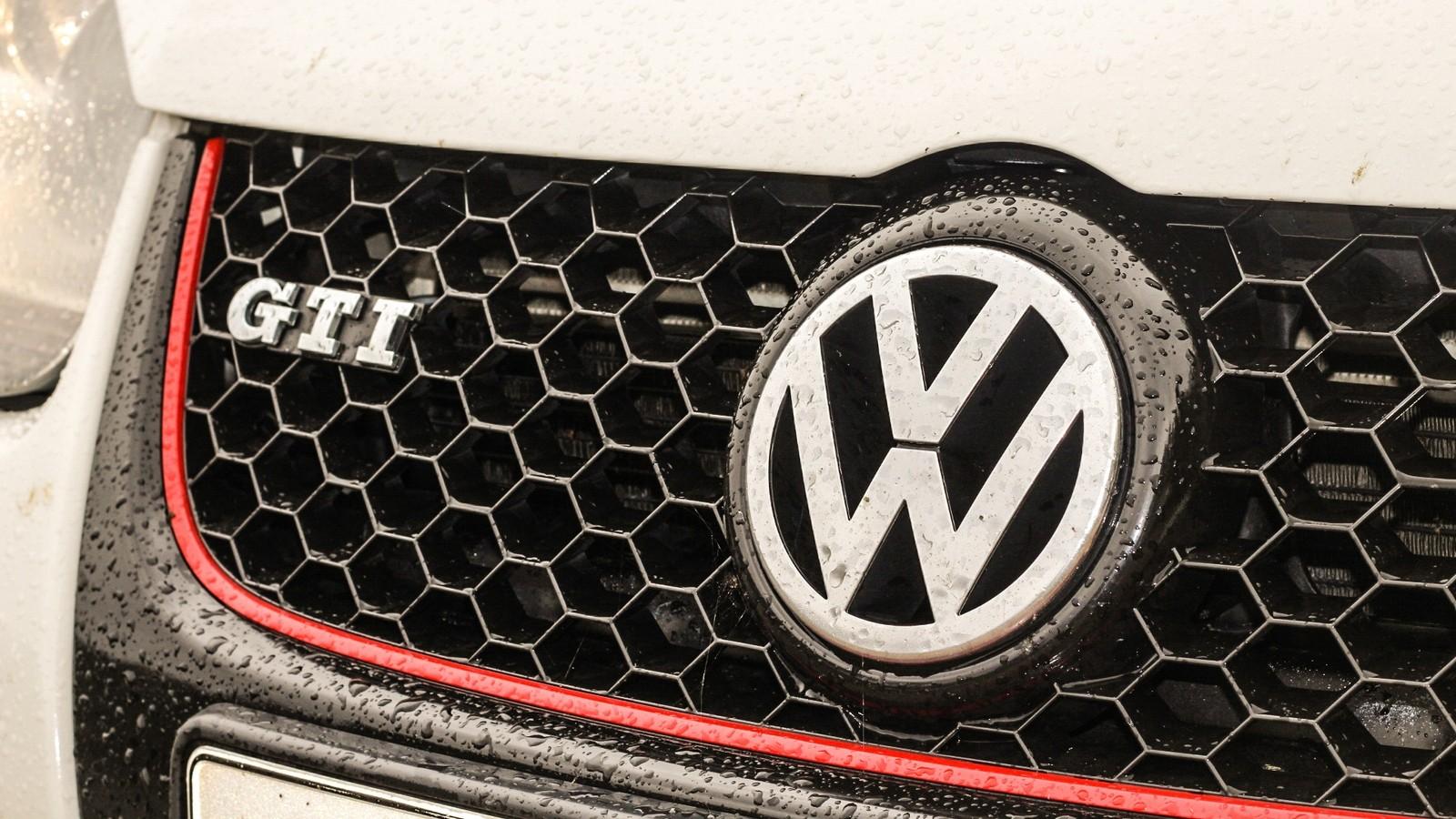 Volkswagen Golf GTI решетка радиатора