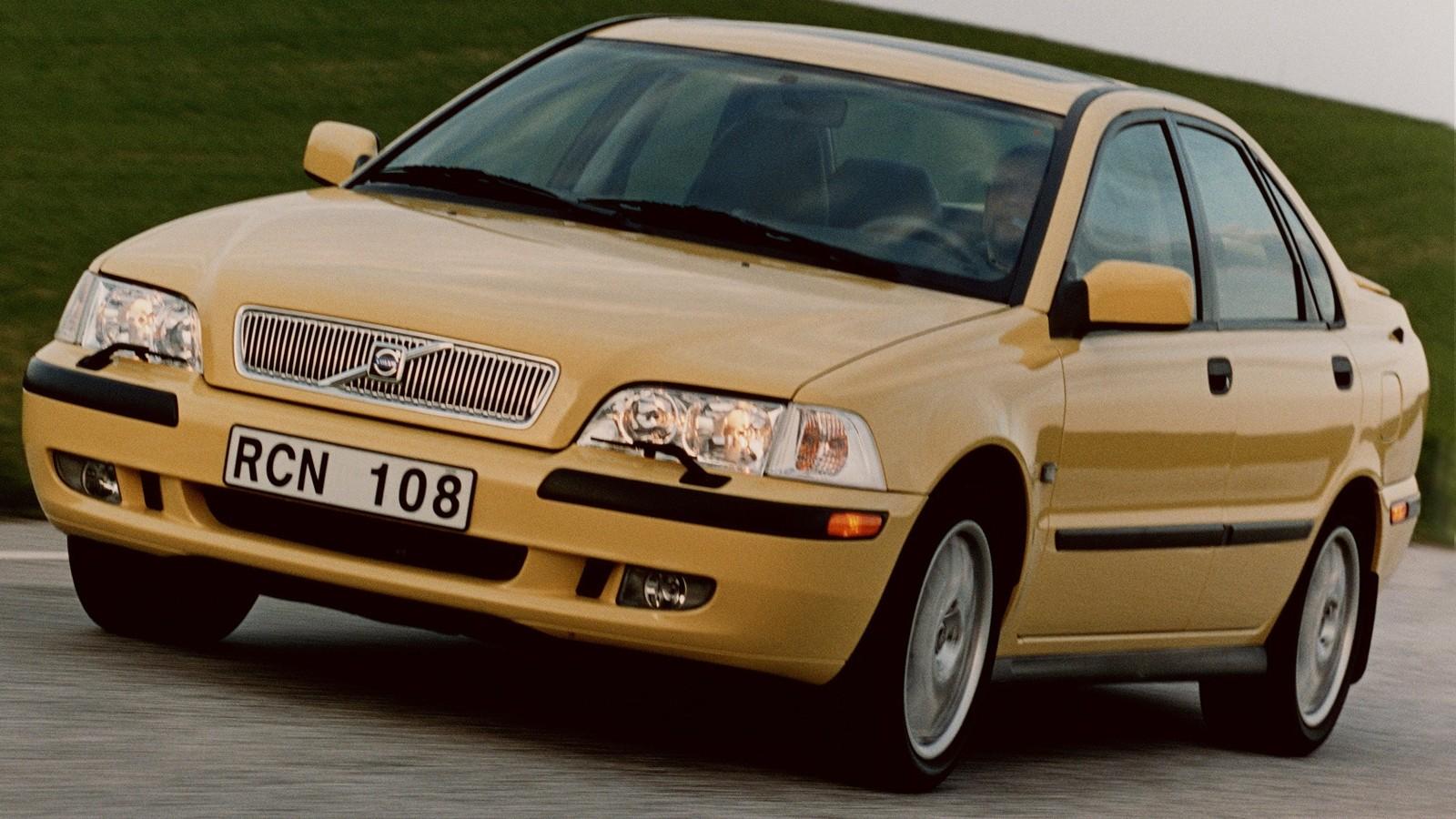 На фото: Volvo S40 '2000–02