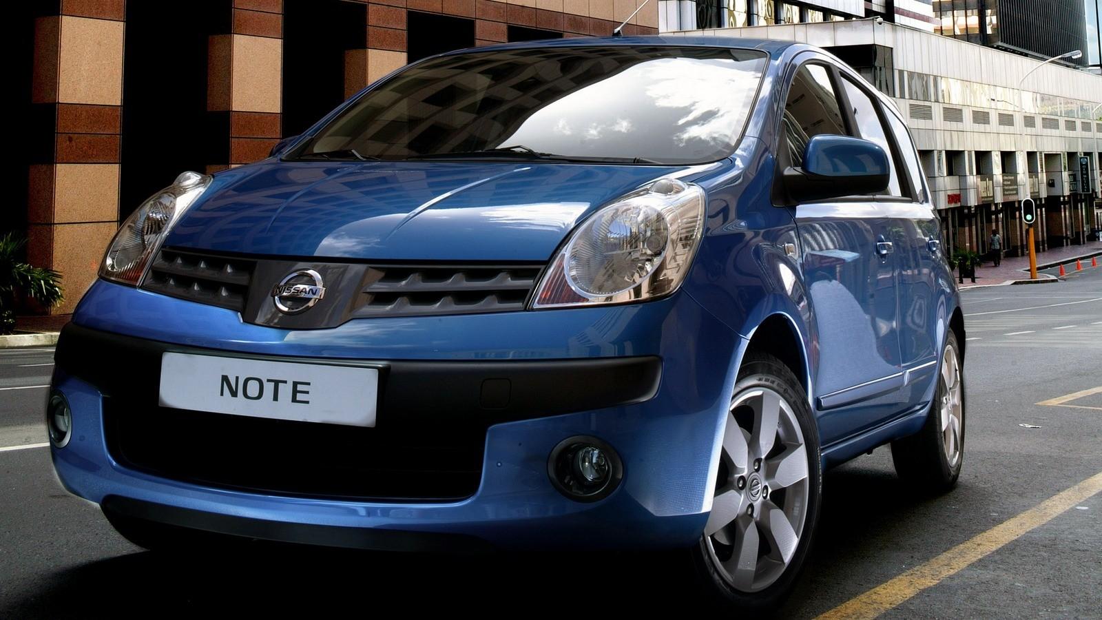 Торпедо Nissan Note (E11) '2009–13