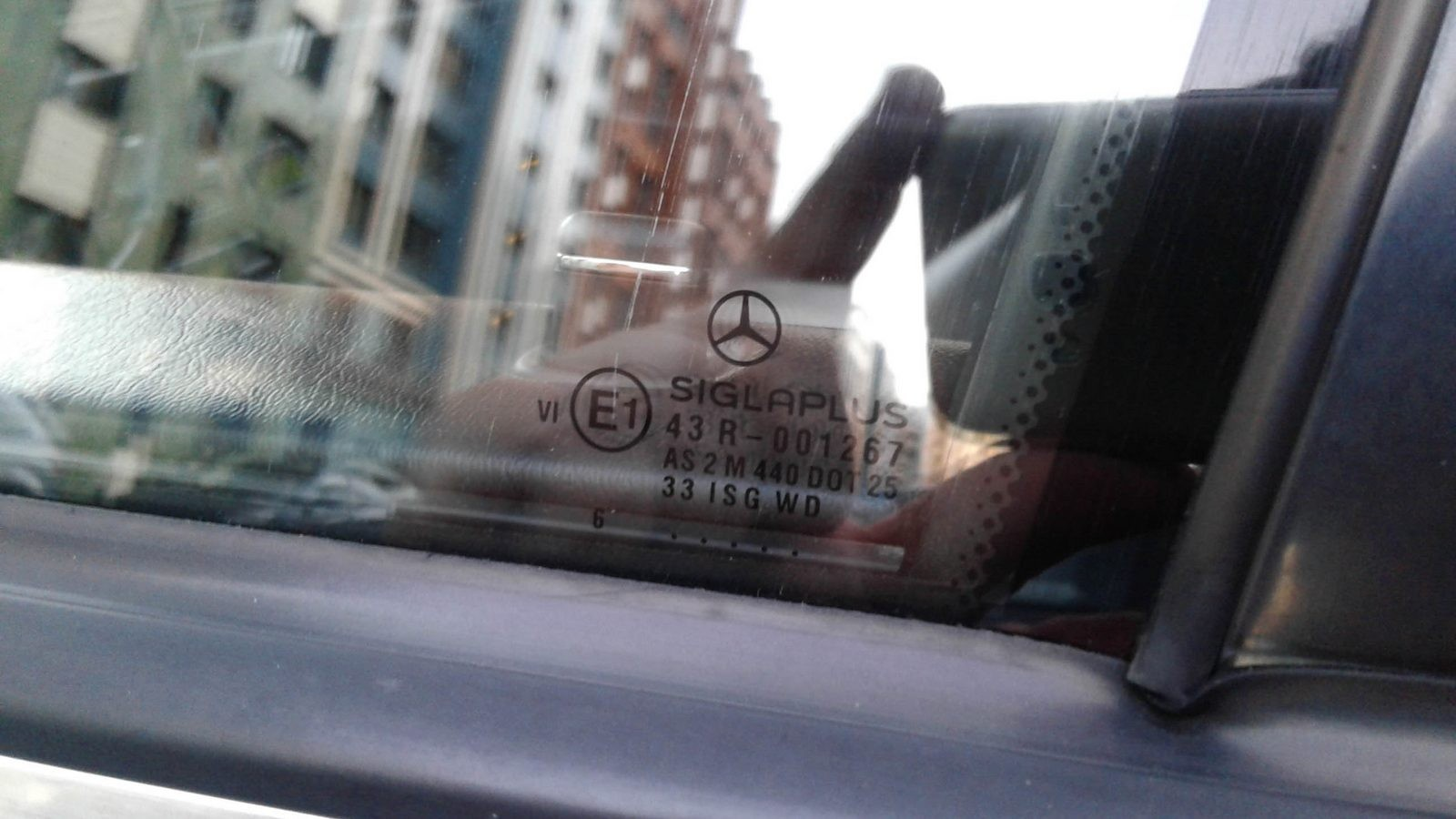 Mercedes-Benz S-Class W140