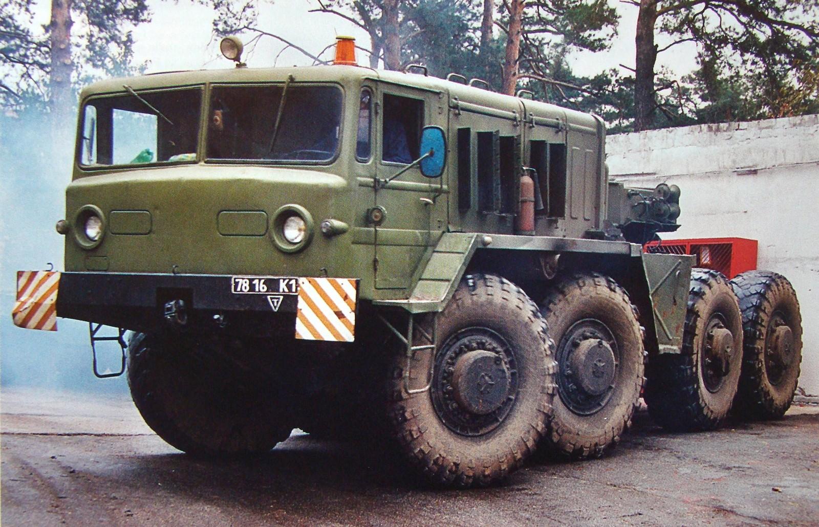 Серийный 525-сильный тягач МАЗ-537 первого поколения. 1968 год (из архива J. Kinnear)