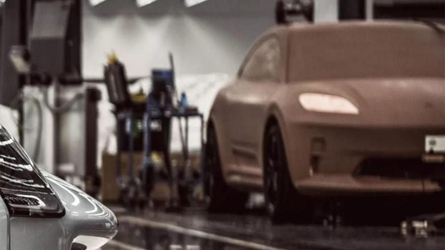 Porsche засветил новый Macan: кроссовер дебютирует в следующем году