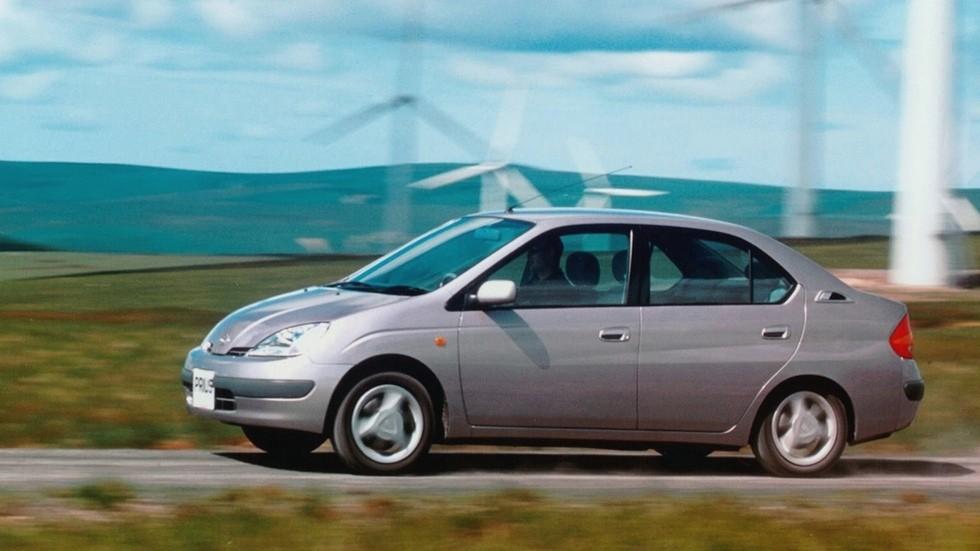 На фото: Toyota Prius '1997–2000