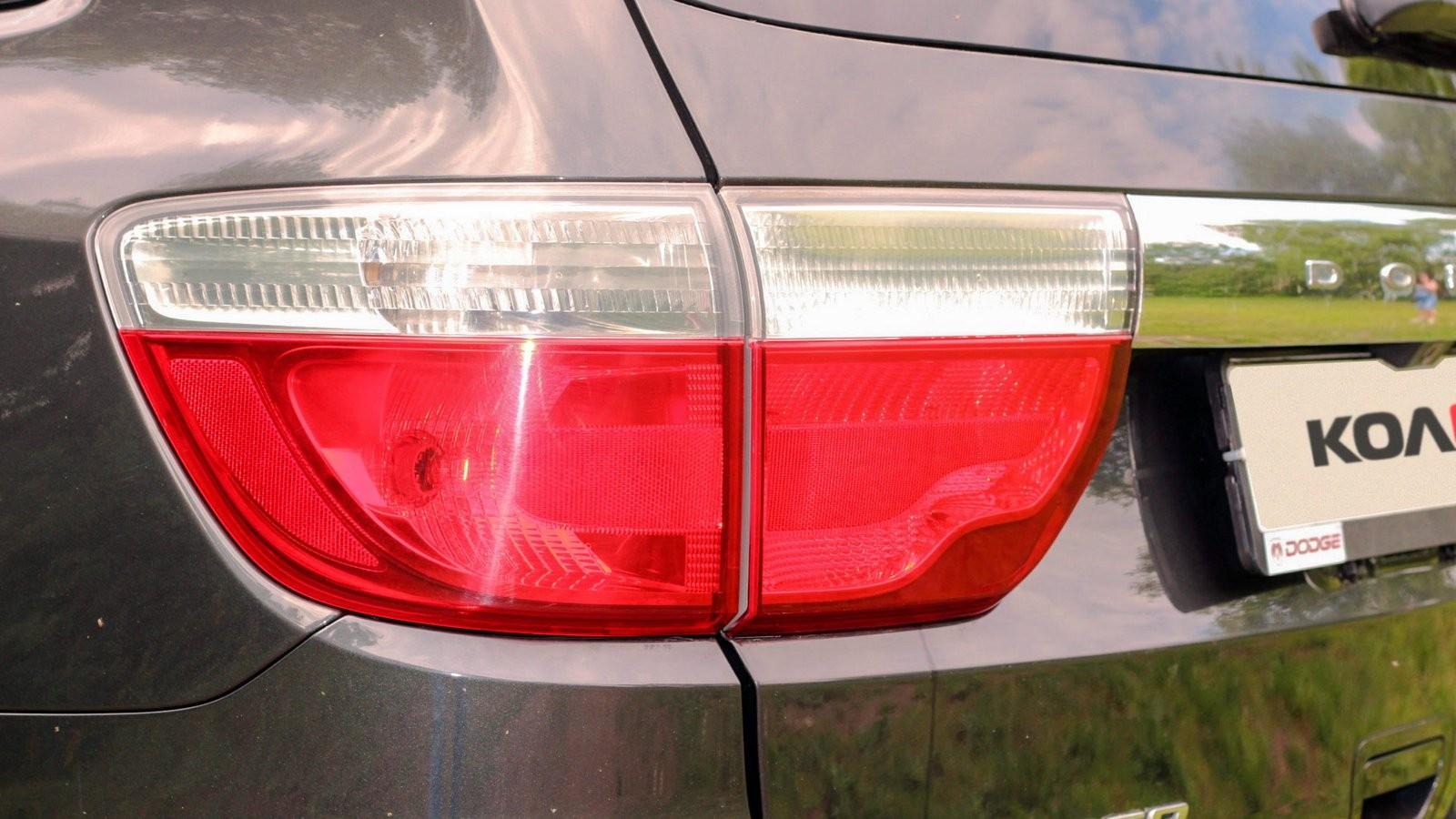 Dodge Durango III фонарь