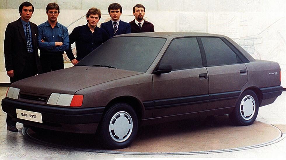 Обратите внимание – в концептуальном макете ВАЗ-2112 1983 года многие элементы и дизайнерские решения словно позаимствованы именно от Audi 100 C3!