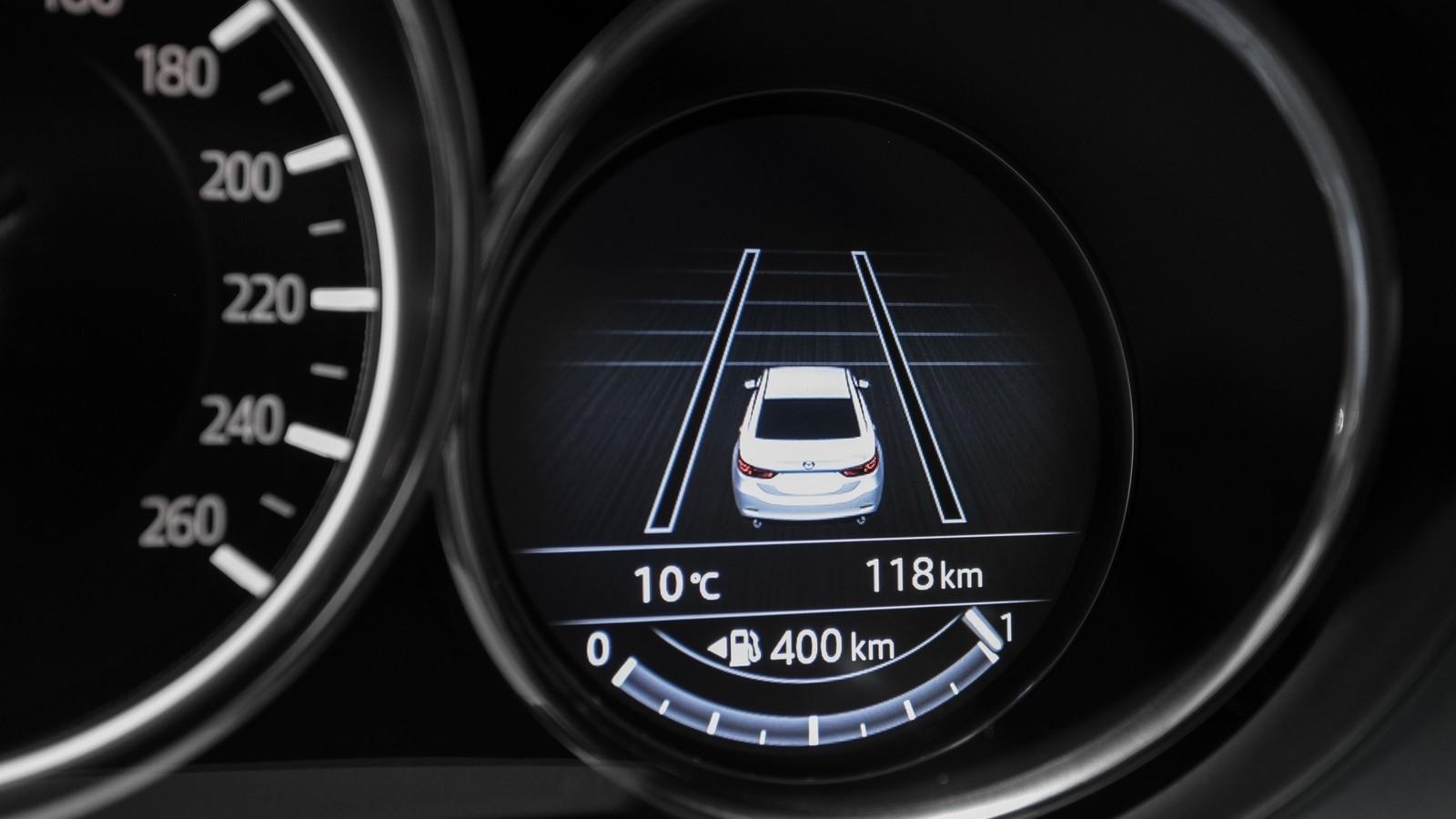 Mazda6_IPM_interior_005