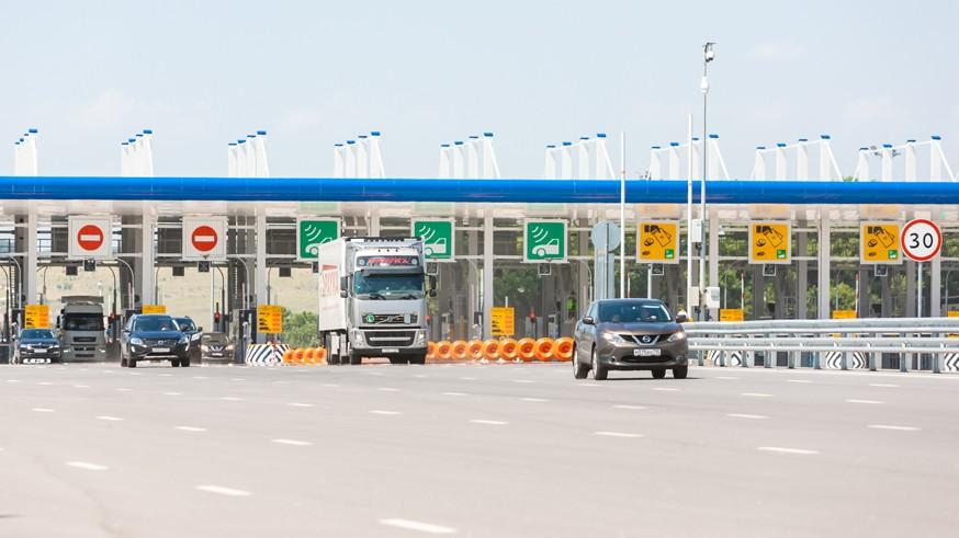 В России появятся новые платные дороги. С увеличением скорости на трассах придётся подождать