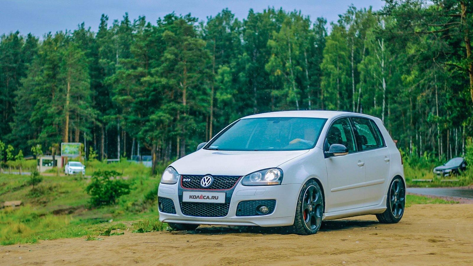 Volkswagen Golf GTI белый три четверти (4)