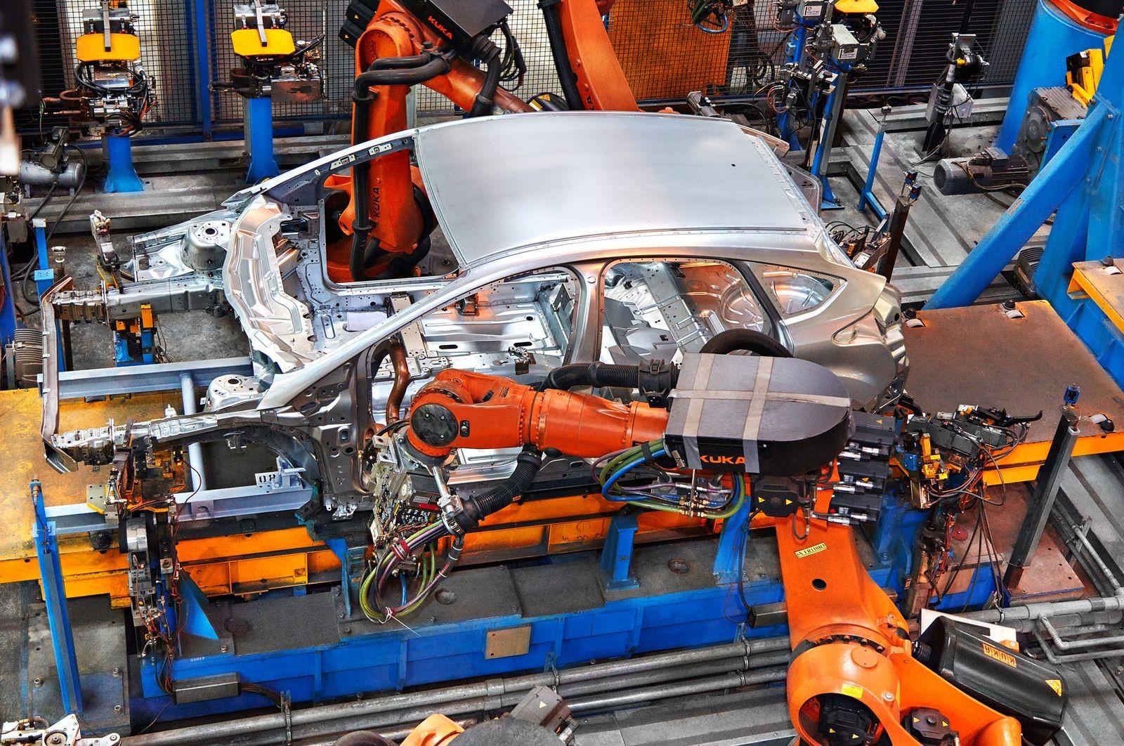 Самая большая интрига грядущего сотрудничества Ford и VW состоит в том, буду ли они совместно делать легковые автомобили.