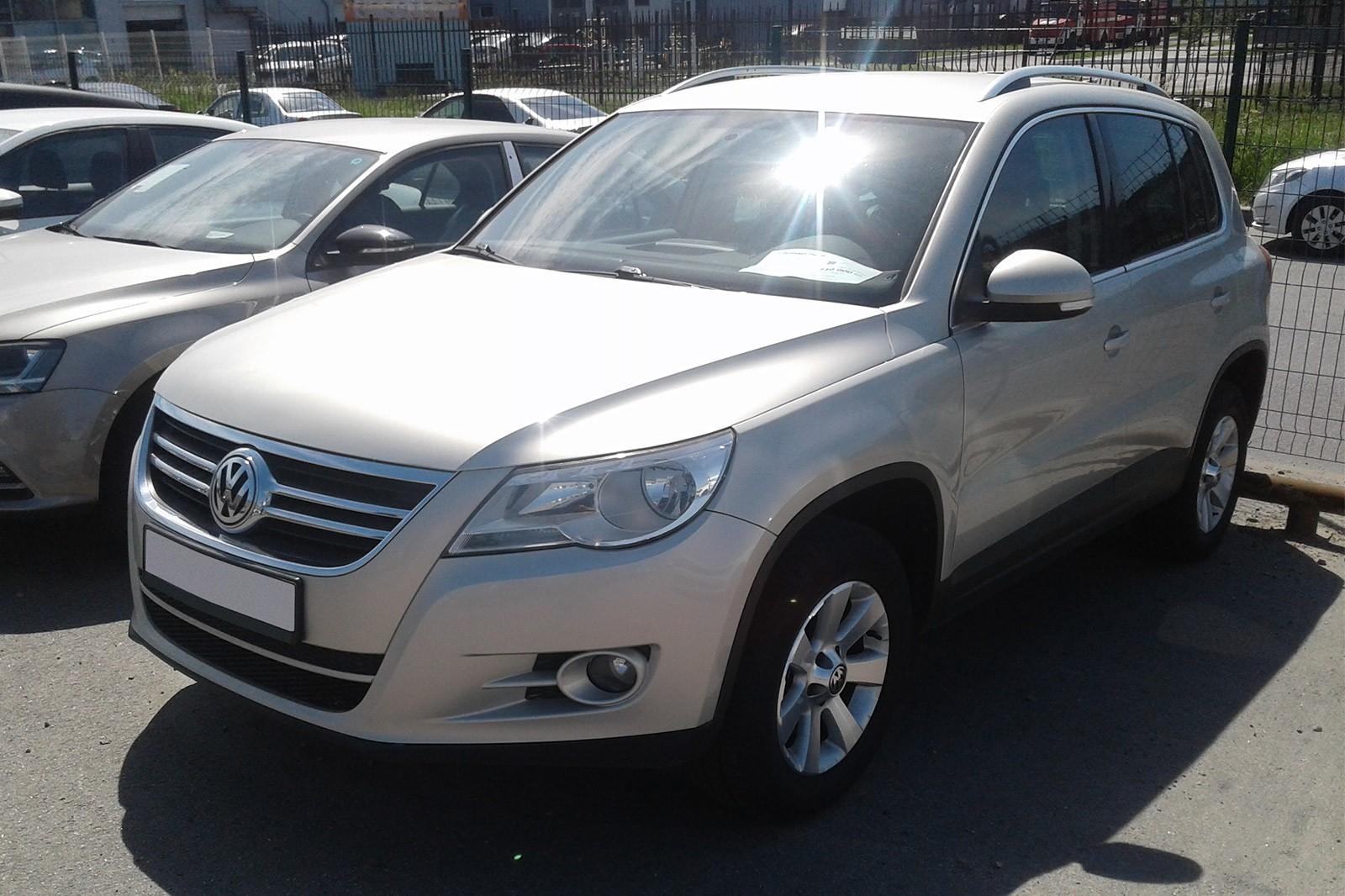 Volkswagen Tiguan серый 2