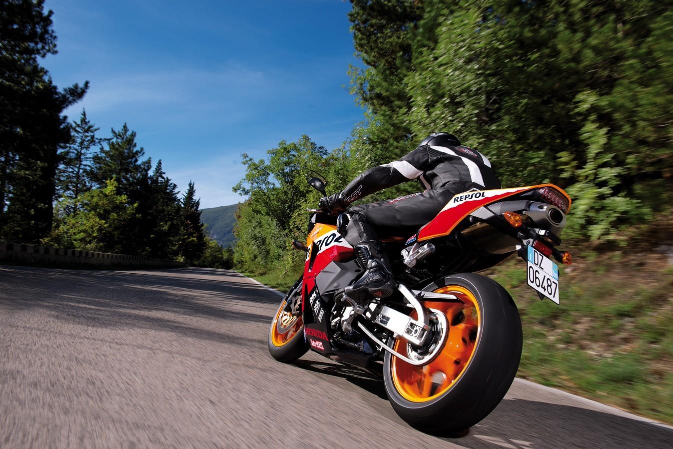 На фото: Honda CBR600RR