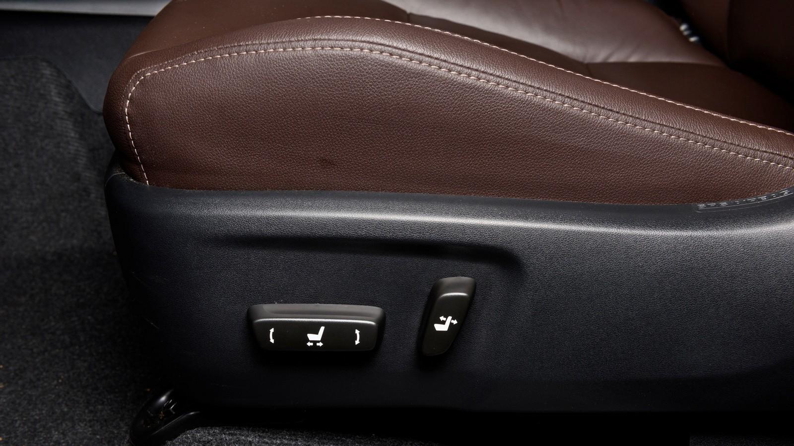 Toyota_Interior_39