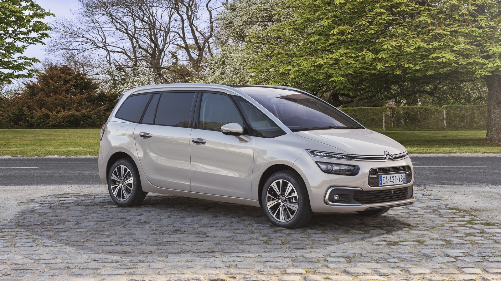 На фото: Citroën Grand C4 Picasso '2016–н.в.