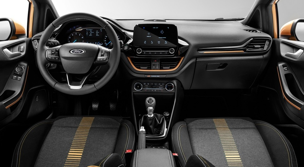 На фото: интерьер Ford Fiesta Active