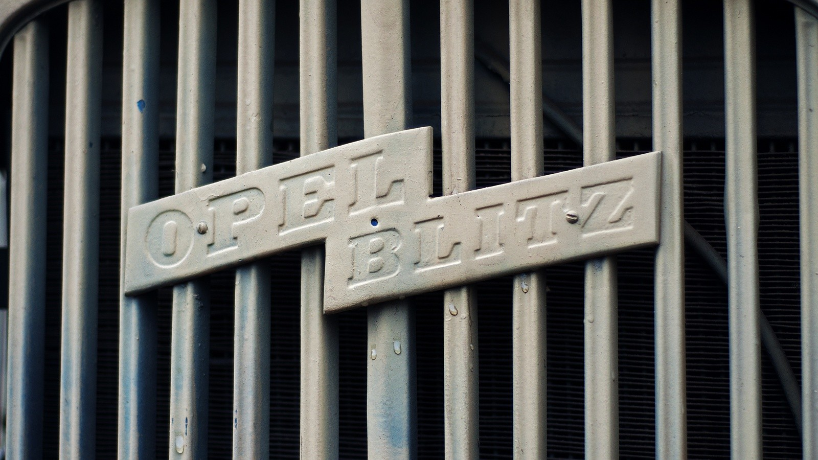 Opel Blitz решетка радиатора