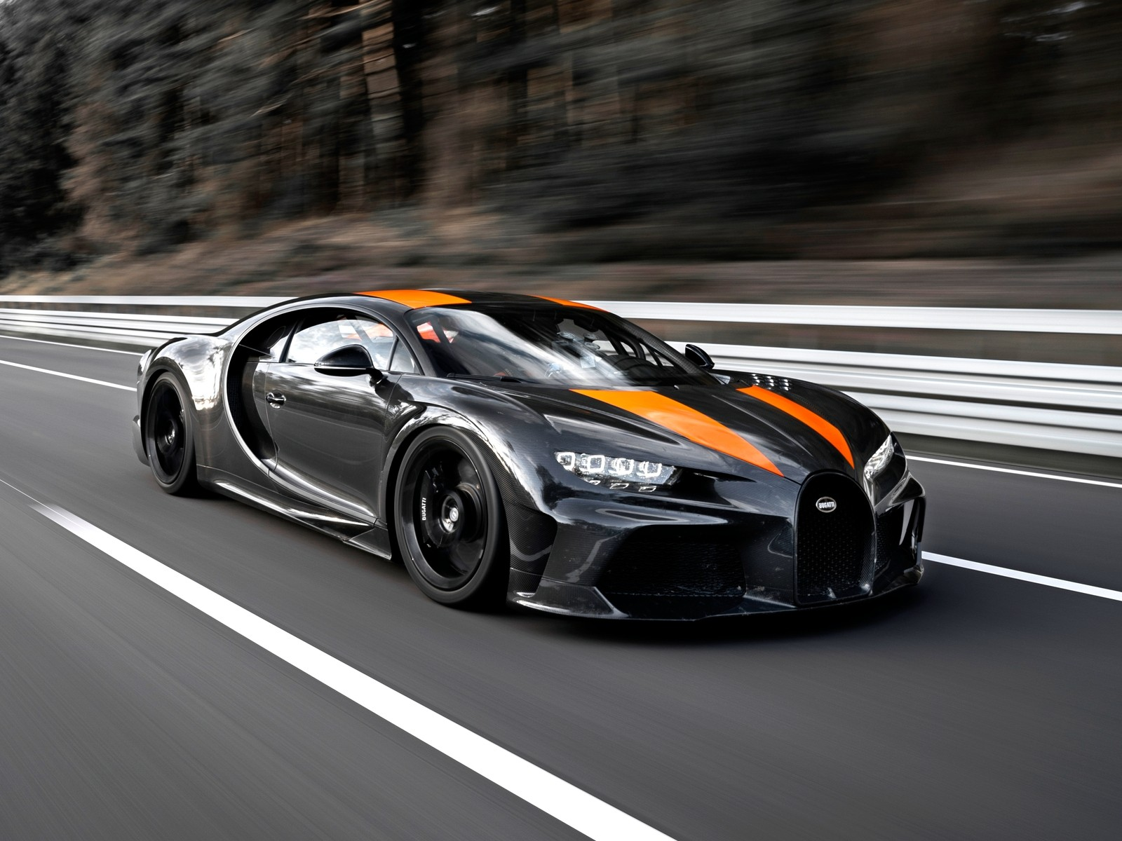 Bugatti Chiron таки стал самым быстрым в мире спорткаром – 490 км
