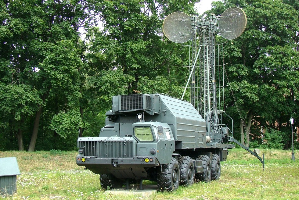 Машина МС-2 с раздвижной антенной станции «Торф-2» и укороченной передней аппаратной (фото автора)