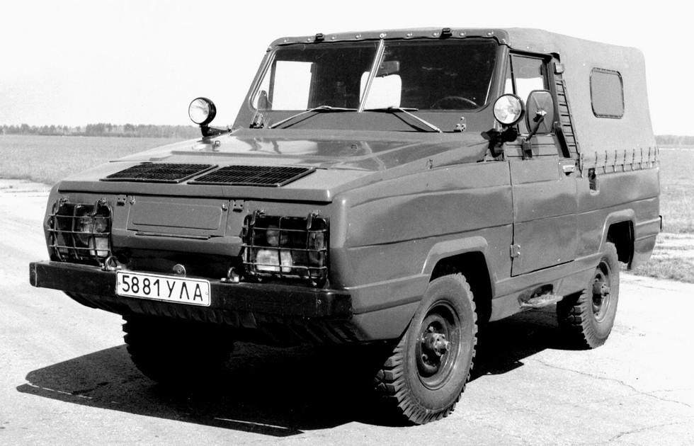 Армейский 77-сильный плавающий автомобиль УАЗ-3907 «Ягуар»