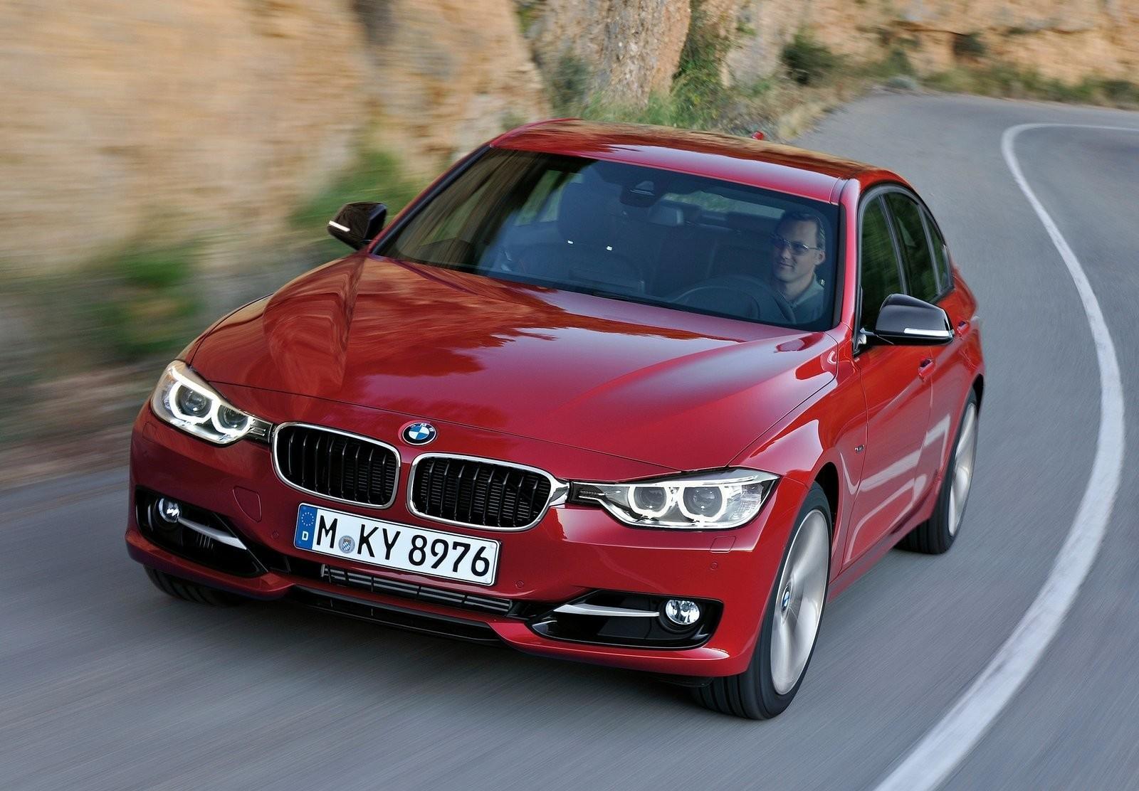 На фото: BMW 3 Series F30