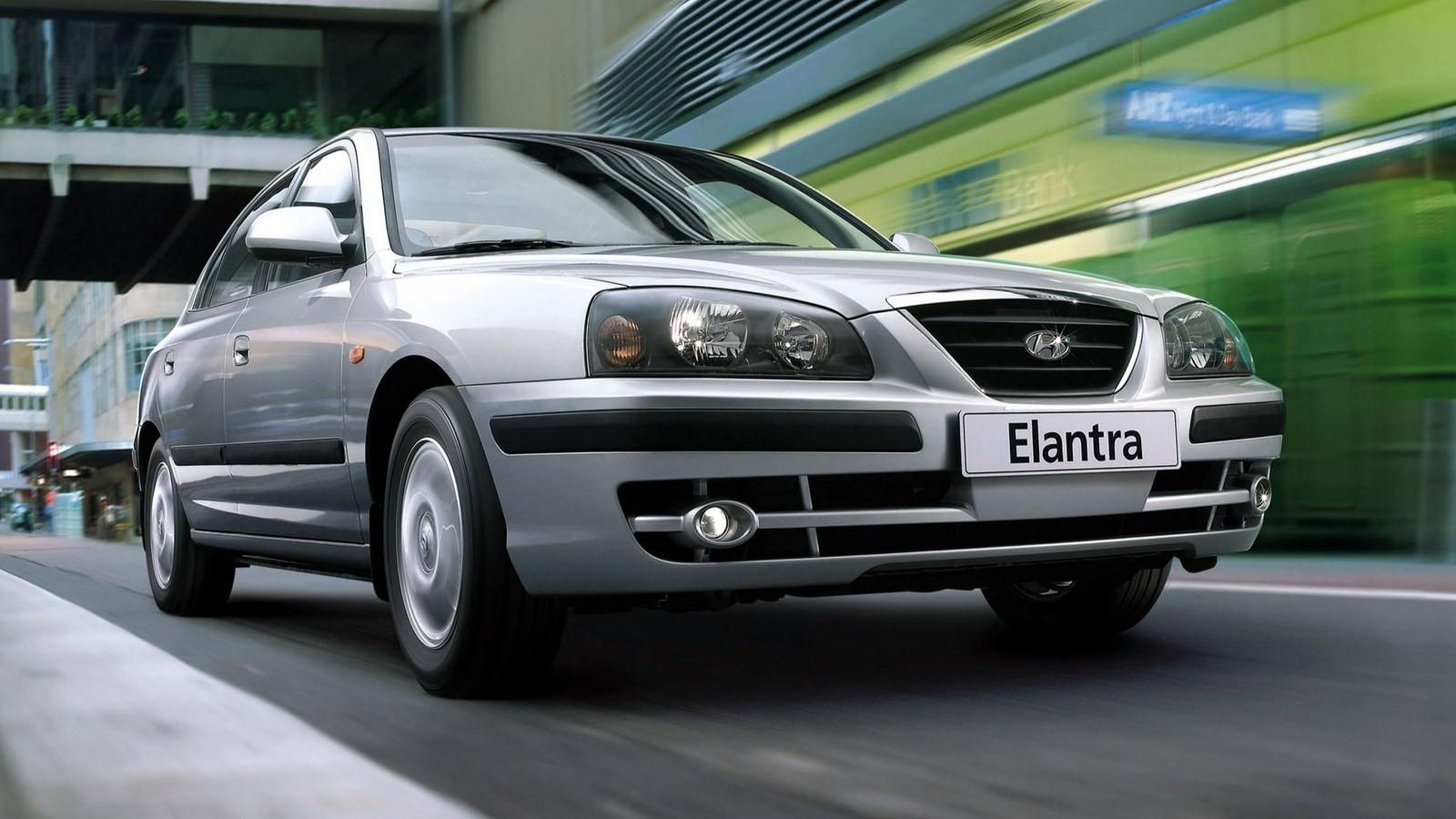 Hyundai Elantra Sedan (XD) '2003–06