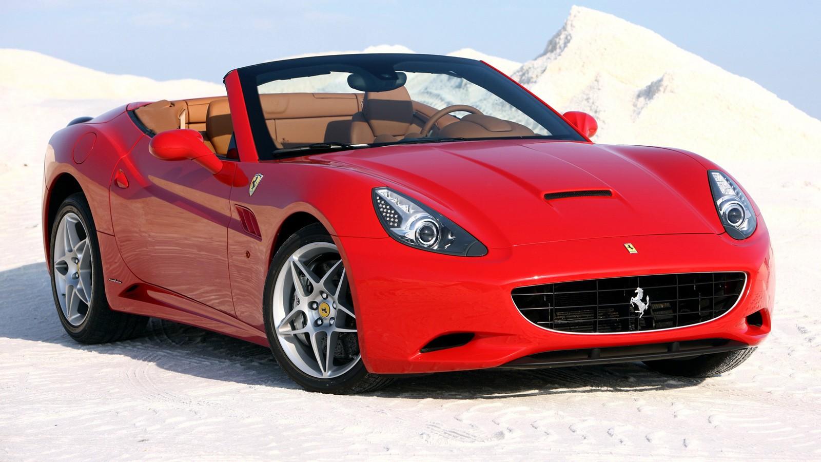 На фото: Ferrari California
