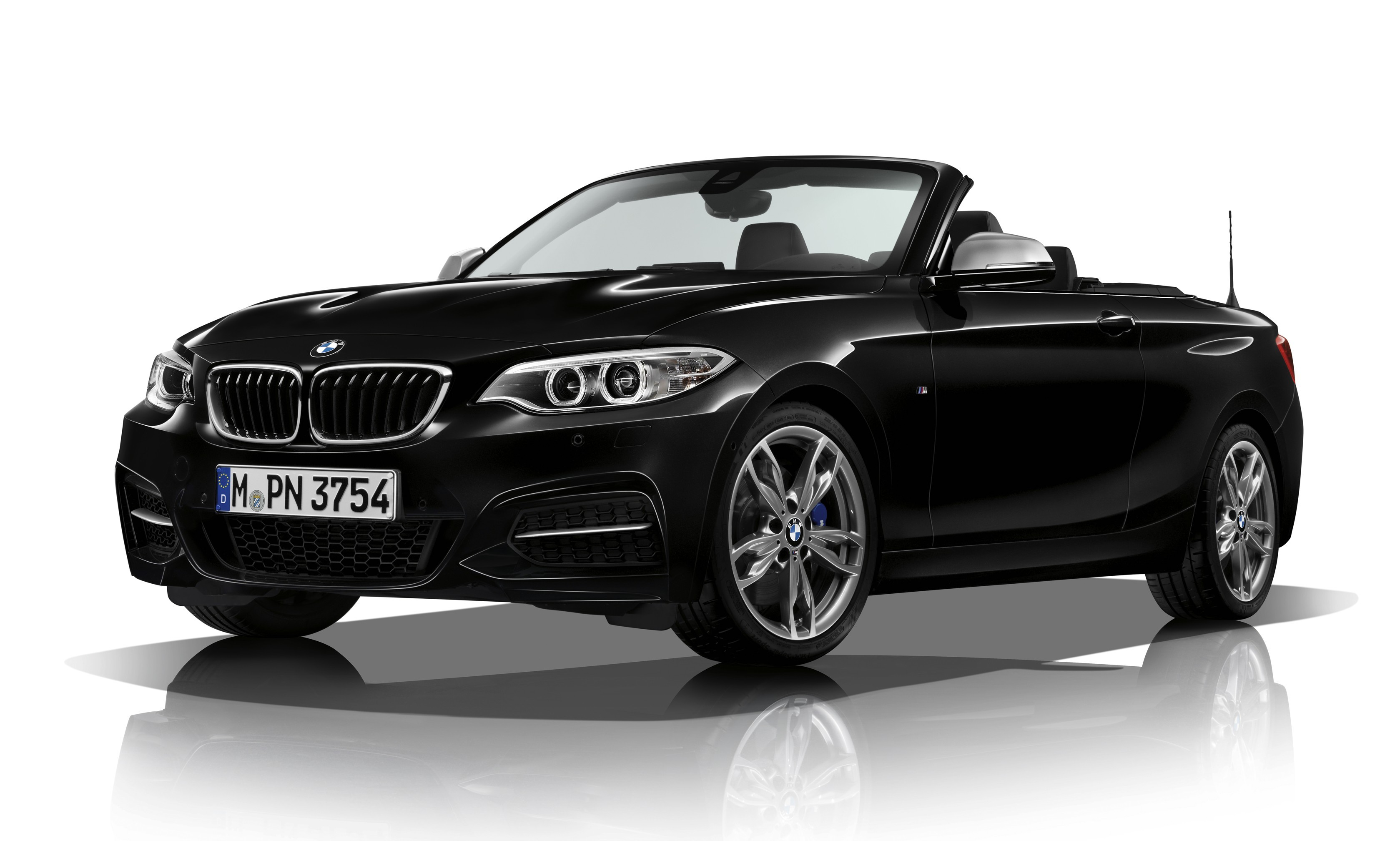 На фото: BMW M240i Cabrio