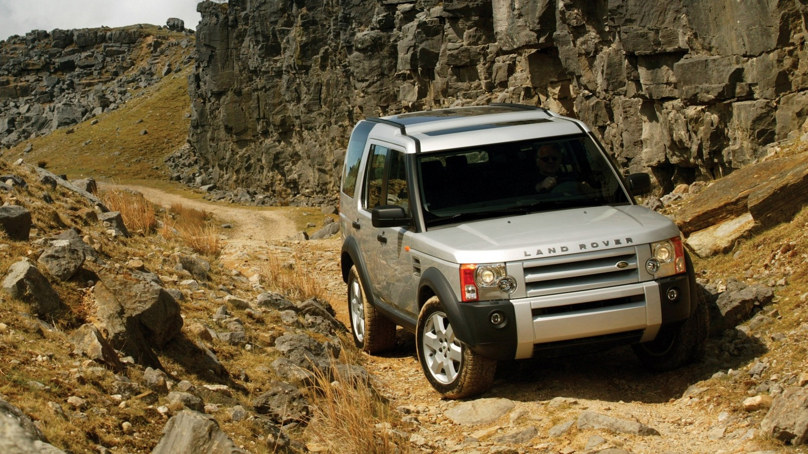 На фото: Land Rover Discovery 3 '2004–08