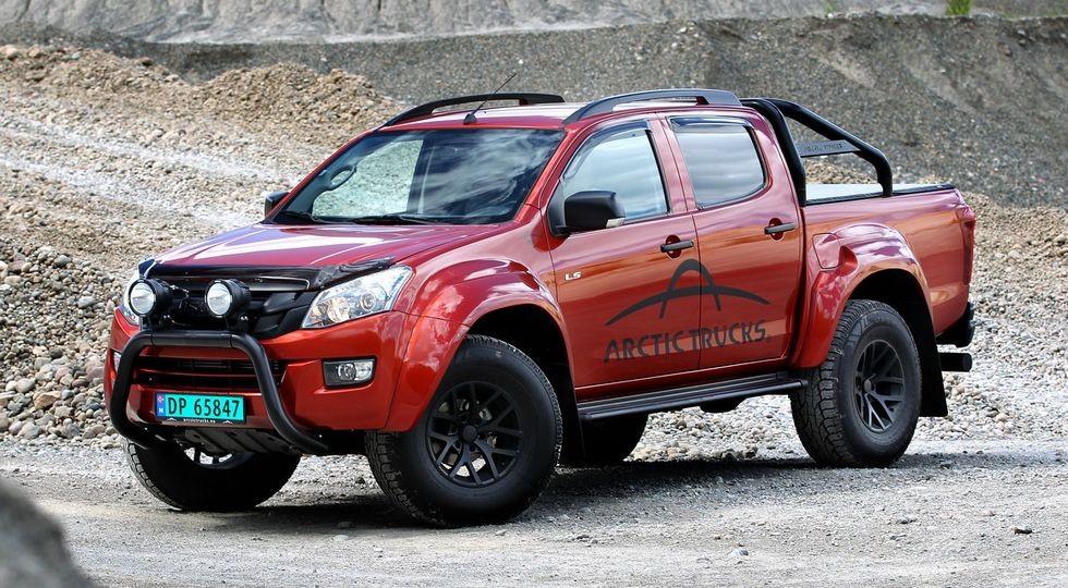 На фото: Isuzu D-Max от Arctic Trucks, доступный на зарубежных рынках