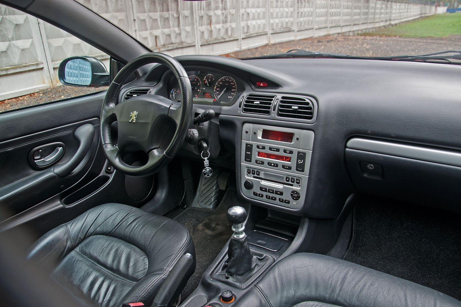 Лев в пальто: опыт владения Peugeot 406 Coupe