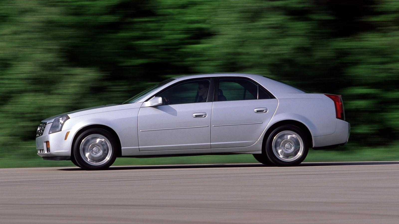 Cadillac CTS North America '2002–07 сбоку