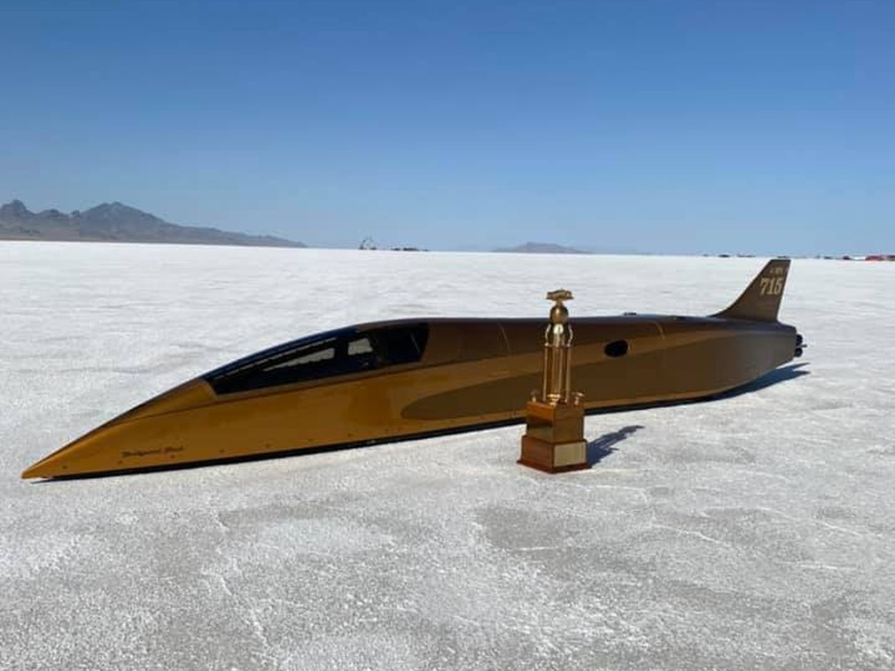 71-летний пенсионер установил рекорд скорости для машин с поршневым мотором: 756 км/ч!