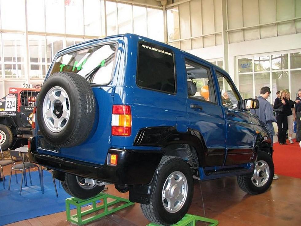 УАЗ-3160 на выставке в Чехии (1)