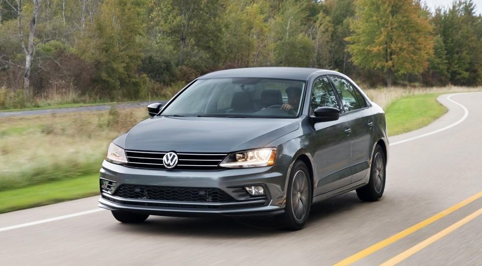 На фото: Volkswagen Jetta актуального поколения, версия для США
