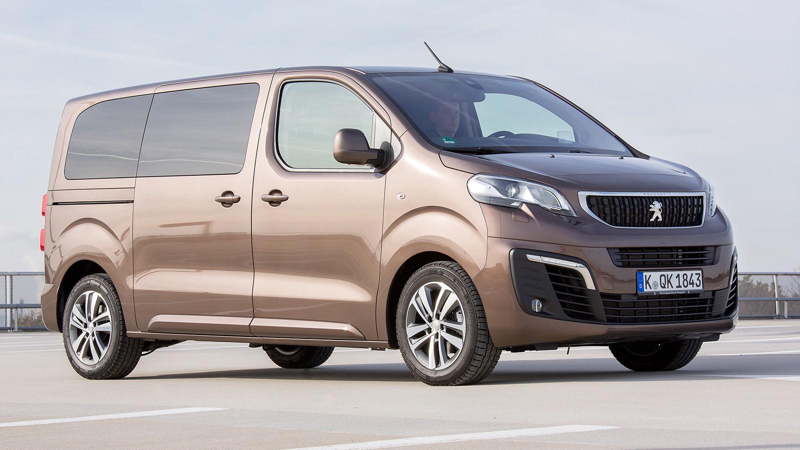 На фото: Peugeot Traveller