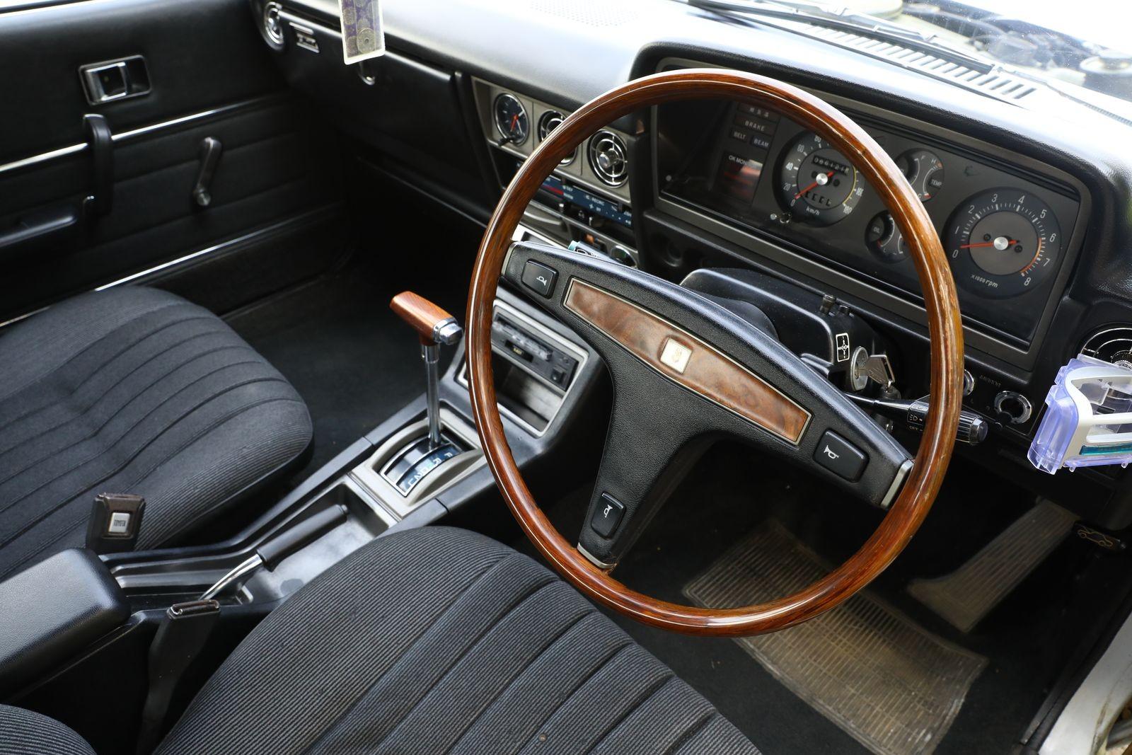 Круглое с квадратным: опыт владения Toyota Corona Mark II 1978 года
