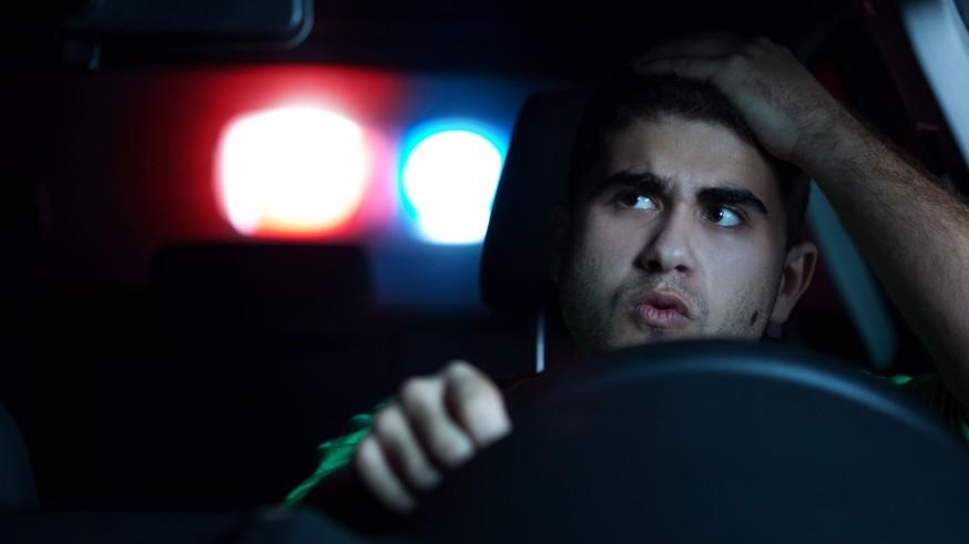 Сотрудники ГИБДД получат право забирать у водителей свидетельство о регистрации