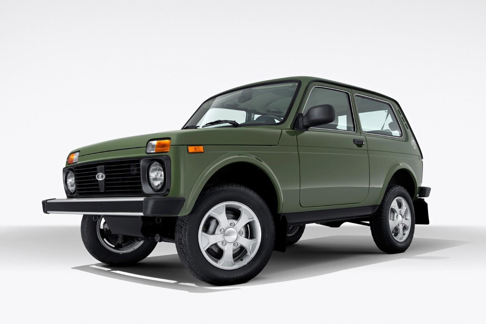 Обновлённая Lada 4×4 на конвейере: «пластик уже однотонный»