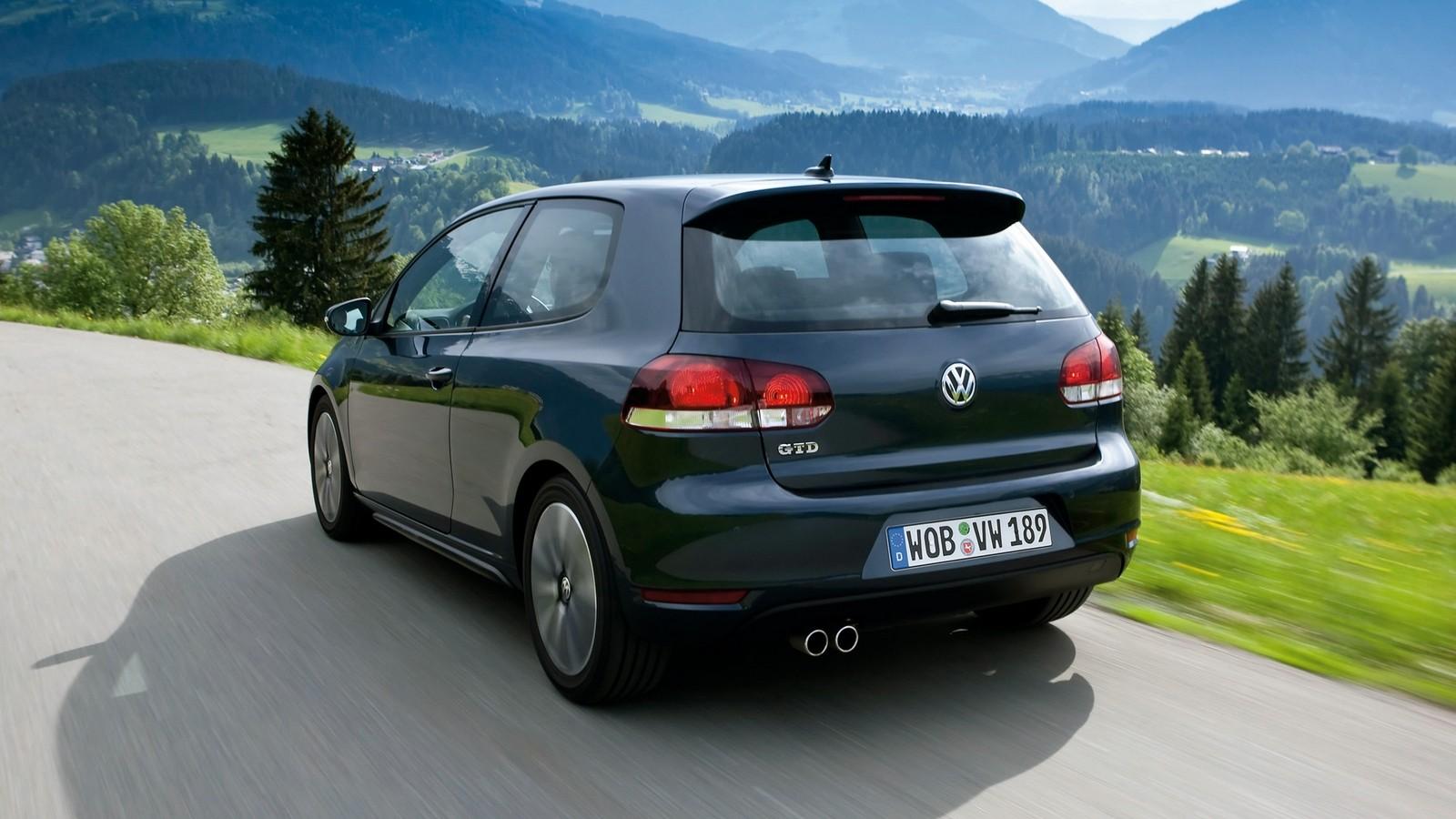На фото: Volkswagen Golf GTD 3-door (Typ 5K) '2009–12