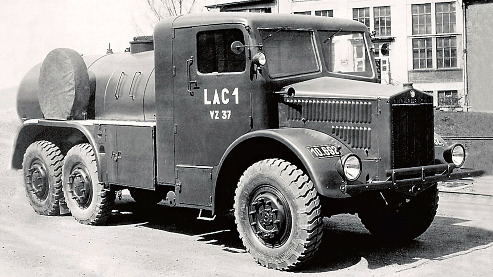 Хребтовые рамы, воздушные оппозиты и дизели V12 на службе Вермахта: Tatra Второй мировой
