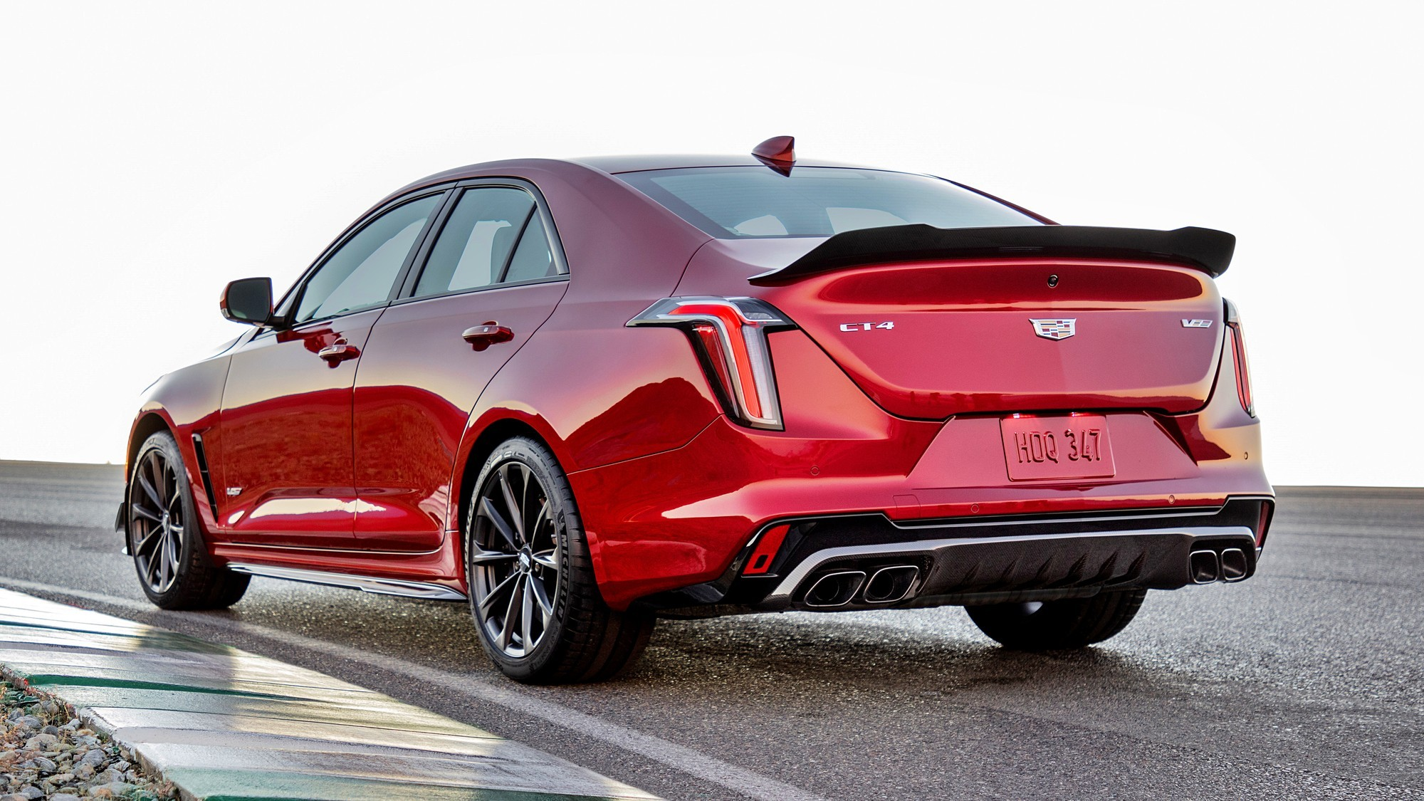 Допинг для аутсайдера: представлен Cadillac CT4-V Blackwing с 479-сильным V6