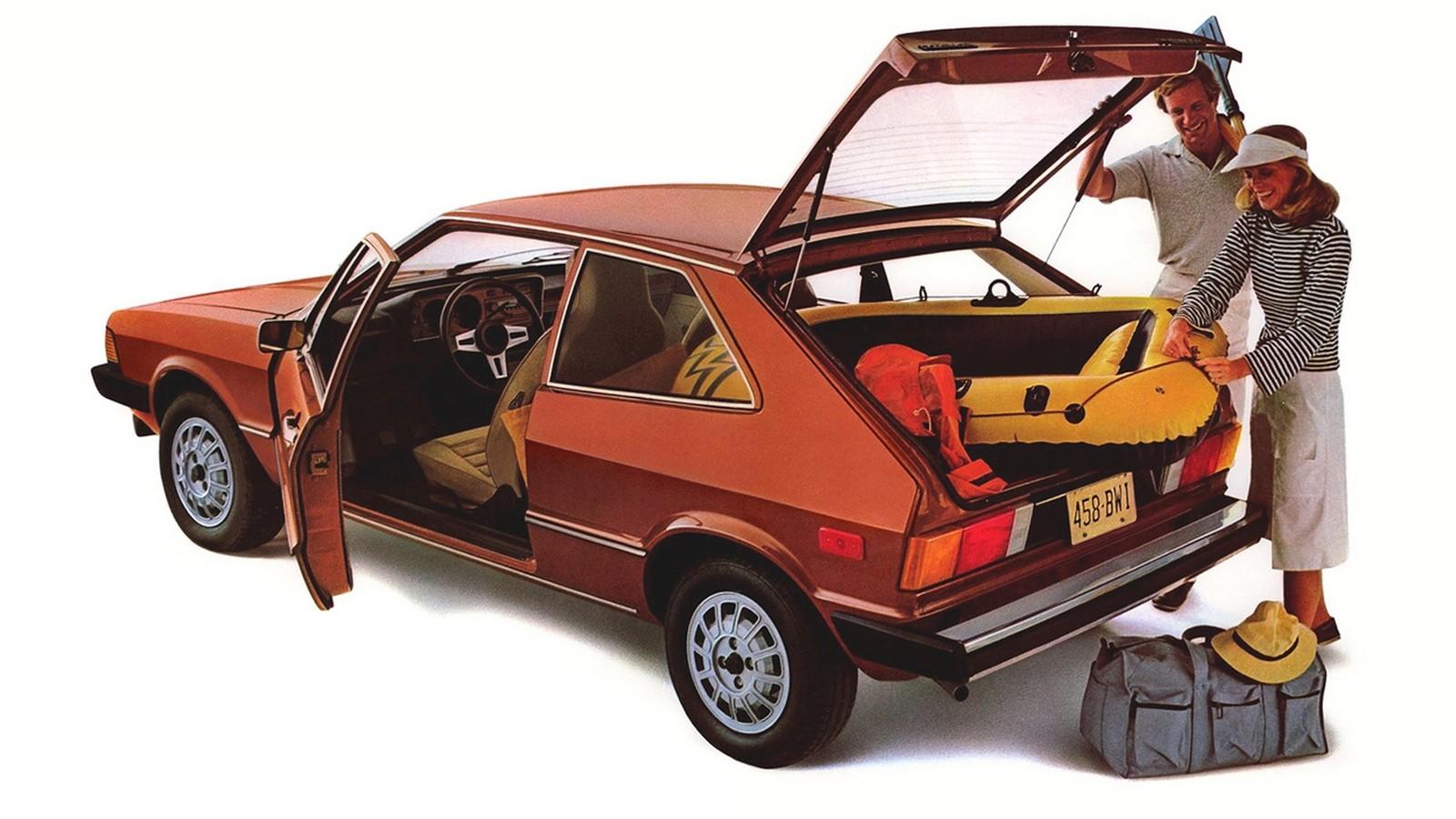 Не ждите практичности: и первый, и второй Scirocco имели ярко выраженный спортивный характер.