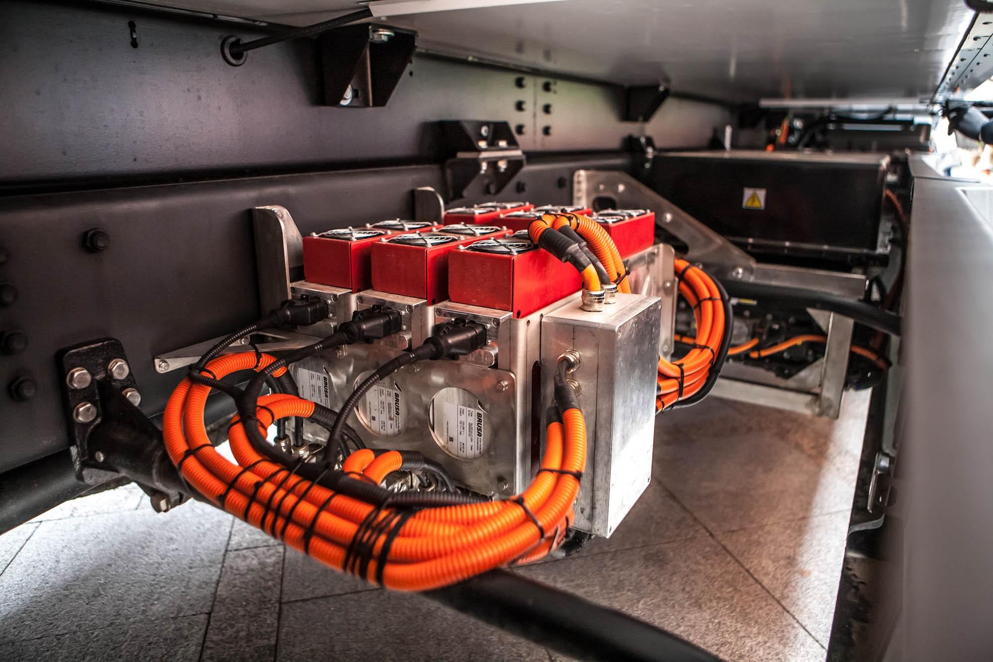 Батарея электрогрузовика MOSKVA в 3 раза лучше, чем у Porsche. Мы должны верить в это?