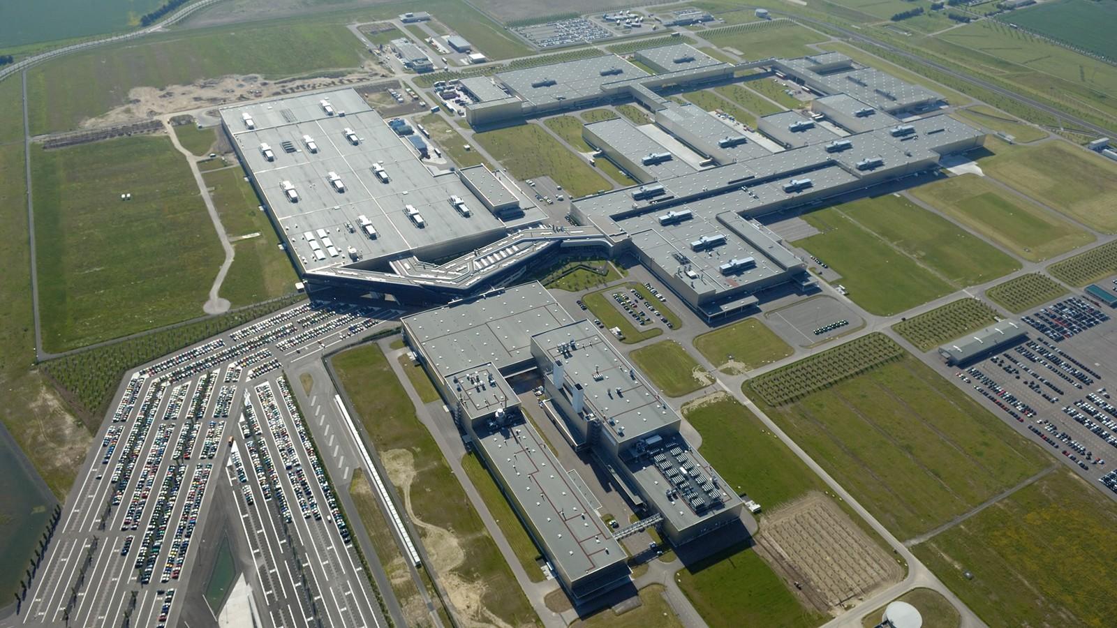 На фото: завод BMW в Германии