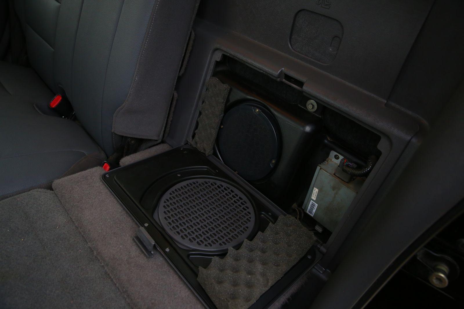 Понижайка, мотор от Мустанга и цена 200 тысяч: опыт владения Ford Explorer Sport Trac